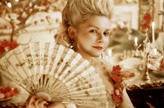 http://analienparisienne.files.wordpress.com/2010/01/marie_antoinette.jpg